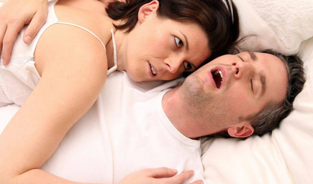 Причины храпа у мужчин: что влияет на его развитие